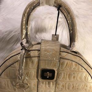 """Handbags - 😁😗♥️""""NEW Tote""""♥️😁♥️"""